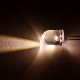 LED 10mm teplá bílá 7500mcd/27° čirá Hebei 1025PW3C