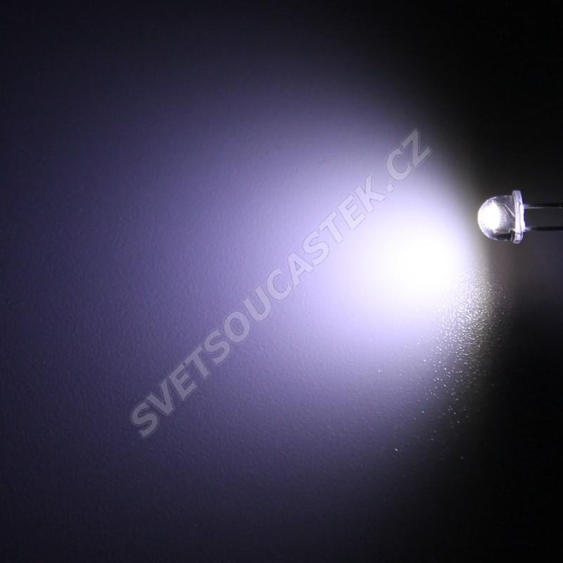 LED 4,8mm stud. bílá 1520mcd/90° čirá Hebei 470PWC