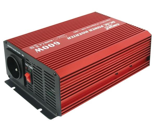 Carspa P600-12 12V/230V 600W