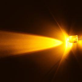 LED 10mm žlutá 5860mcd/23° čirá Hebei 1025MY8C
