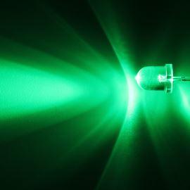 LED 8mm zelená 33000mcd/20° čirá Hebei 825PG2C